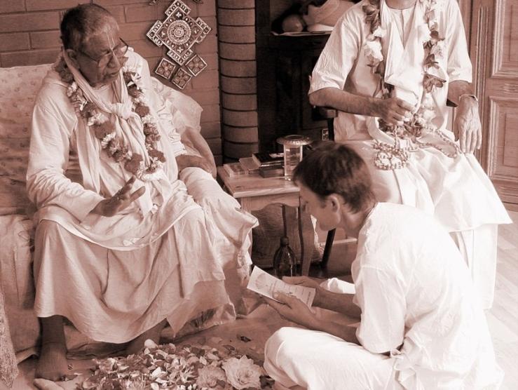 Srila-Govinda-Maharaj-Initiation-Russia